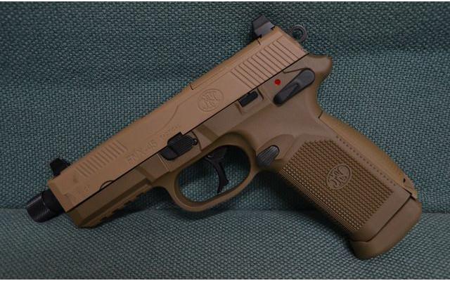 AMOEBA M4, Cybergun Metal Slide FNX-45 and Army R31 CY-GBB-FNX-45-DE