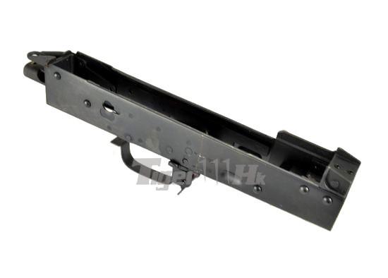 Visser un tub de crosse sur une réplique sans crosse EL-A101-21-1